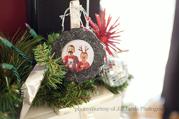 How To Make Your Own Christmas Ornament Frame Templates Everyday